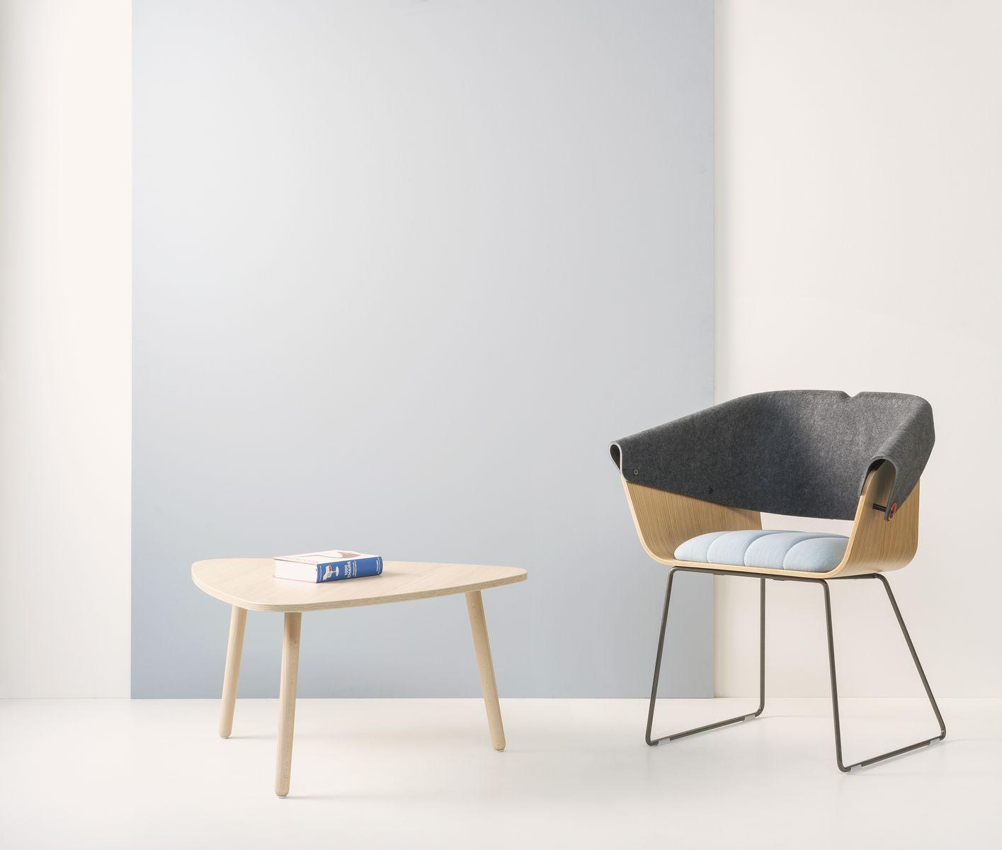 https://vepa.nl/wp-content/uploads/2020/04/Skeef-hout-laag-driehoek-met-Whale-Tail-Chair-sfeer.jpg
